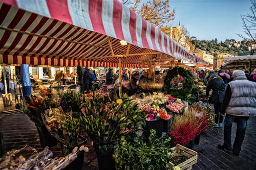 VILLASTELLONE – Posticipato il mercatino dell'Epifania