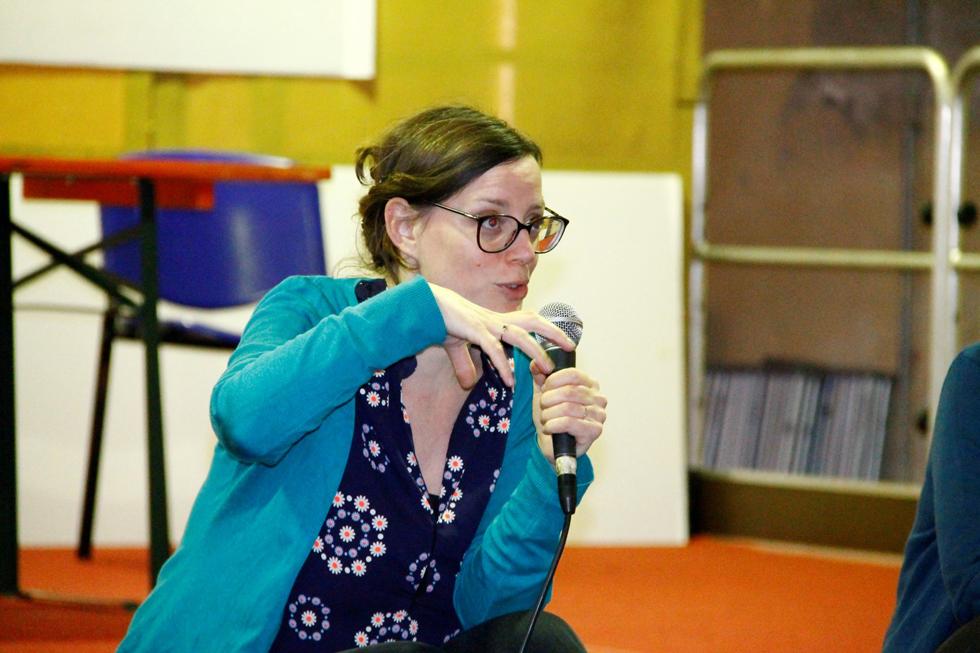 Aperilibro bambini: Coline Pierré, scappa in soffitta per osservare il mondo