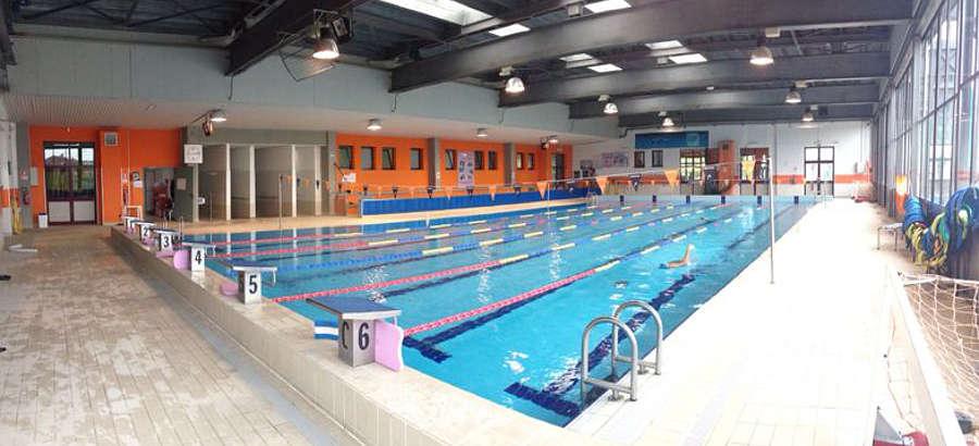 CARMAGNOLA – Rinviata l'inaugurazione del sollevatore per disabili in piscina