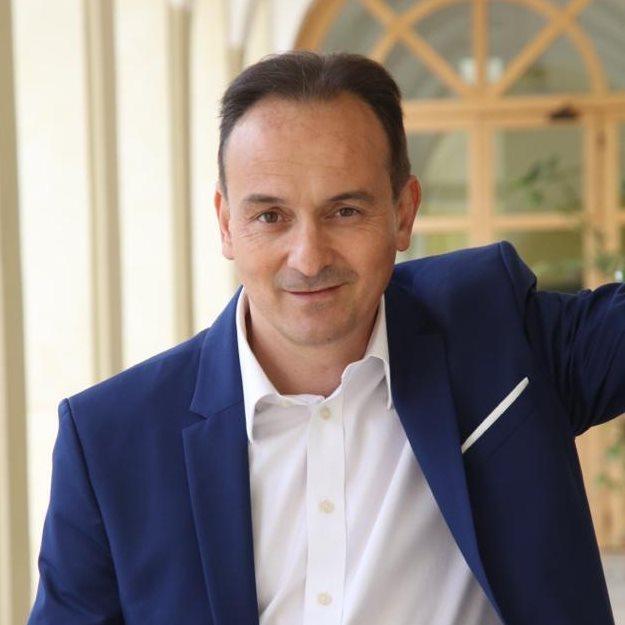 VIRUS – Il governatore Alberto Cirio guarito
