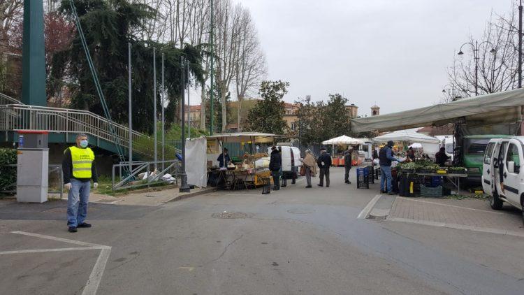 TROFARELLO – Oggi regolarmente aperto il mercato settimanale